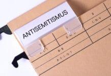 Ein Ordner mit dem Aufdruck Antisemitismus